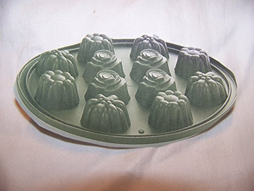 Pampered Chef Silicone Bakeware Floral Cupcake Pan