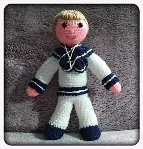 Peluche niño con traje de comunion confeccionado a ganchillo ...