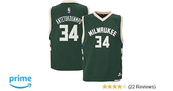 daa7a0d0073 Amazon.com : Outerstuff Giannis Antetokounmpo #34 Milwaukee Bucks Youth  Road Jersey Green : Clothing