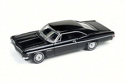 amazon com 1966 chevy impala ss, black auto world aw64072b 1 64 Toyota Toy Cars image unavailable