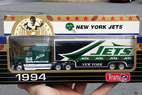 Nfl Football Diecast Collectible - Matchbox 1994 NEW YORK JETS NFL FOOTBALL Tractor Trailer Truck in 1:87 Scale Diecast