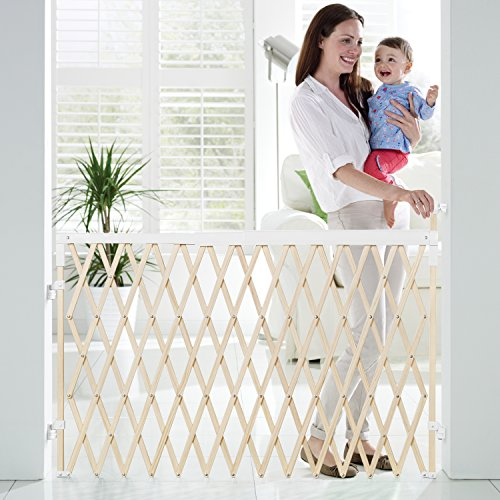 Amazon Munchkin Wide Spaces Expanding Gate Light Wood Discontinued By Manufacturer Indoor Safety Gates Baby