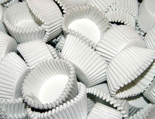 Case of 25,000 White #4 Paper Candy Cups by Reynolds
