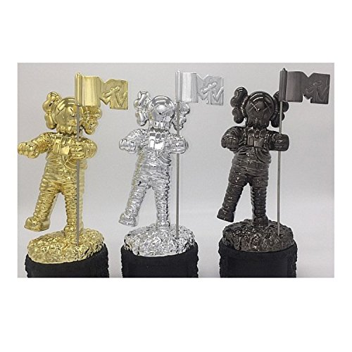 MTV VMA Moonman Reinvented KAWS BFF 2013 Dissected Companion Original Fake Art Toys Action Figure Figurine Plush Doll Toy Model Statue Accessories Collection Morden Gift for Boyfriend