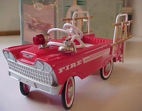 Hallmark Kiddie Car Classics 1962 Murray Super Deluxe Fire Truck