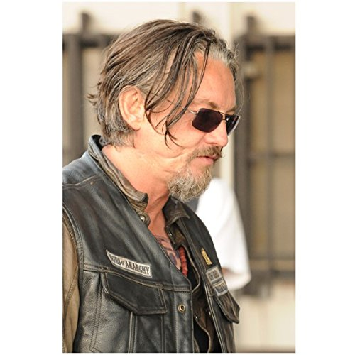 Sons of Anarchy Ryan Hurst adn Tommy Flanagan as Filip 'Chibs' Telford Close Up Wearing Sunglasses 8 x 10 - Sunglasses Dexter