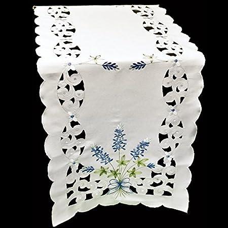 Camino de mesa bordado azul manualidades sobre blanco 16