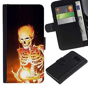 KingStore / Leather Etui en cuir / Samsung Galaxy S6 / Esqueleto Negro Magia Huesos Llamas Arte Fuego