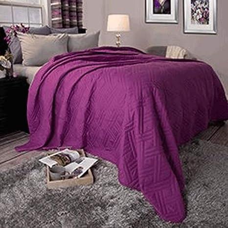 Lavish Home 66-40-K-BL Solid Color Bed Quilt-King-Black Trademark Global