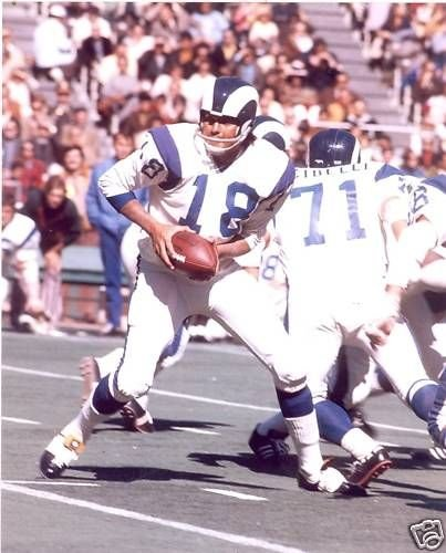 ROMAN GABRIEL LOS ANGELES RAMS UNSIGNED 8X10 (Unsigned Los Angeles Rams)