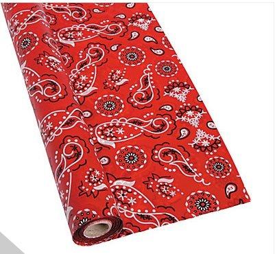 RED BANDANA PLASTIC TABLE CLOTH ROLL 40 X 100 FT ()