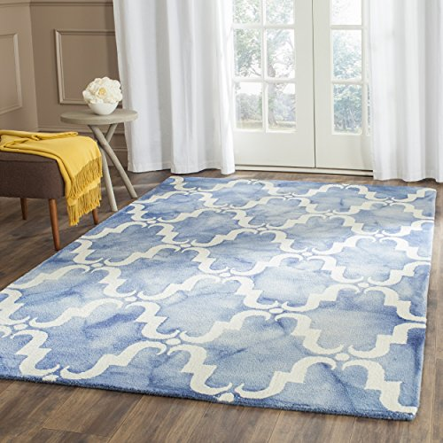 Safavieh Dip Dye Collection DDY536K Handmade Geometric Watercolor Blue and Ivory Wool Area Rug (5' x 8')
