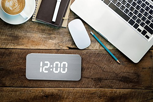 2017 New Upgraded Led Alarm Clock Cute Color Changing