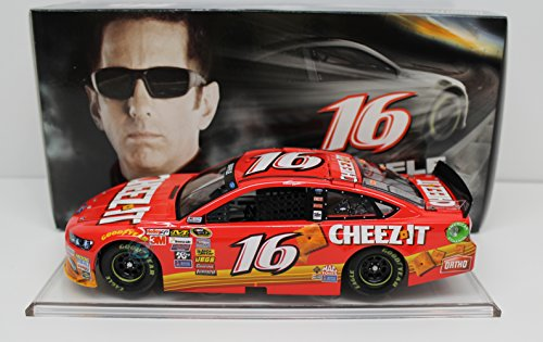iffle #16 Cheez-It 2015 Ford Fusion 1:24 Scale Arc Hoto Official Diecast of Nascar Vehicle ()