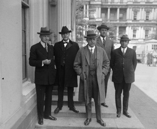 1926 photo Arlington Mem. Bridge Com:, Dawes, Sen. Fernald, Longworth, Maj. G b4 (Mem Bridge)