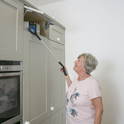 Calibre Care Reacher Grabber Ideal For The Elderly, Disabled & The Hard To Reach Places, Eliminates Bending Over & Straining With It's Rotating Head.