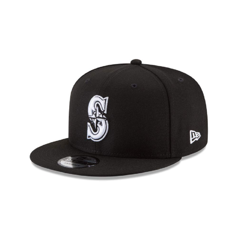 the latest 75a89 e8d1c Amazon.com  New Era Authentic Seattle Mariners Black   White 9Fifty  Snapback Cap Adjustable 950  Clothing