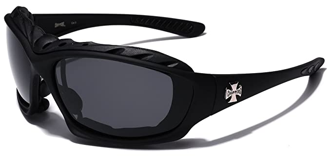 b26d3157e9c4 Amazon.com  Oversized Choppers Men s Sport Padded Motorcycle Bikers  Sunglasses MATTE BLACK  Clothing