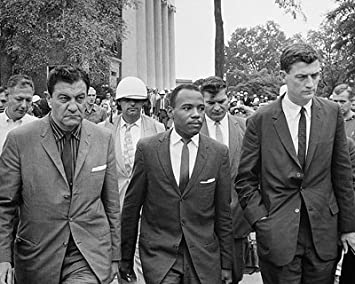Amazon ジェームズ・メレディス、最初African American学生at ...