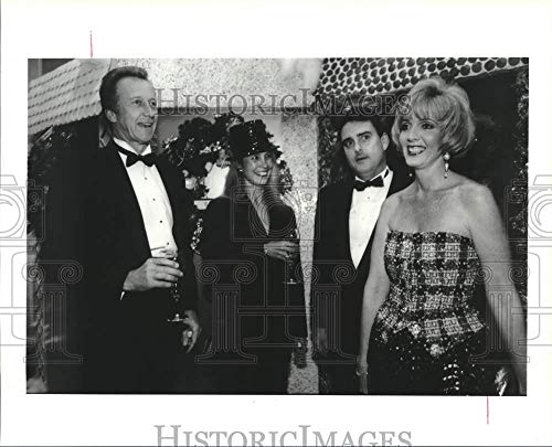 (Vintage Photos 1991 Press Photo Attendees at The Trees of Hope Black-tie Gala in Houston)