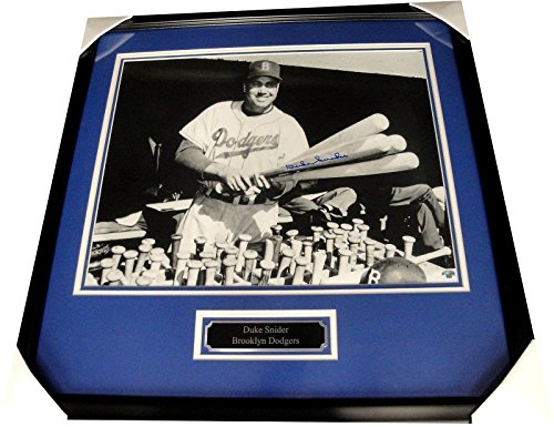 Duke Snider Hand Signed Autographed 16