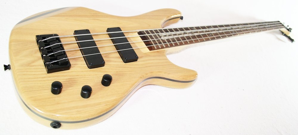 4 saiter Bass natur von Cherrystone 07A sehr edel