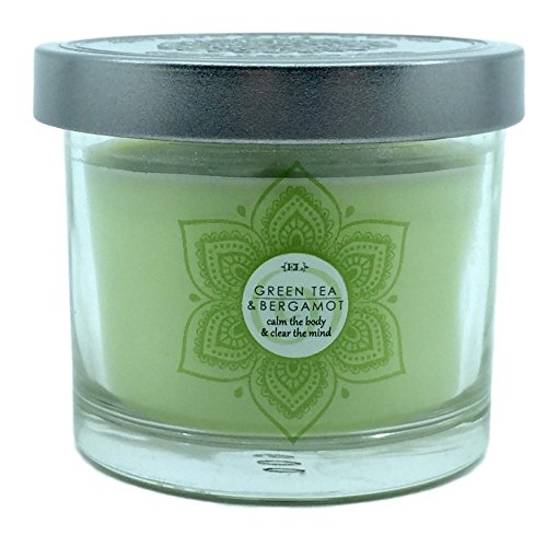 Small Green Tea Bergamot Scented Candle With Notes of Herbal Moss Citrus Lemon