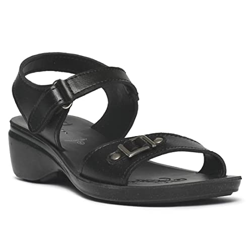7d9ddbedcd97 PARAGON Kids Black P-Toes Casual Sandals  Buy Online at Low Prices in India  - Amazon.in