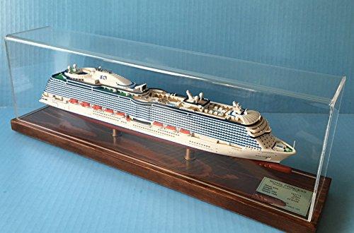 royal-princess-cruise-ship-model-1900-scale-display-series