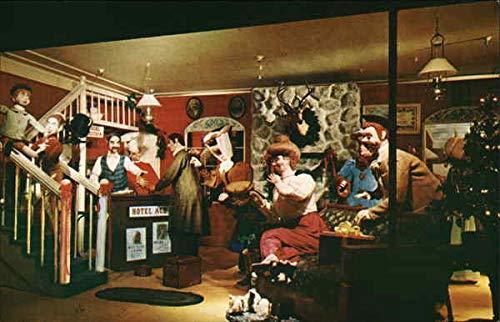 Christmas Window at Breuners Oakland, California Original Vintage Postcard