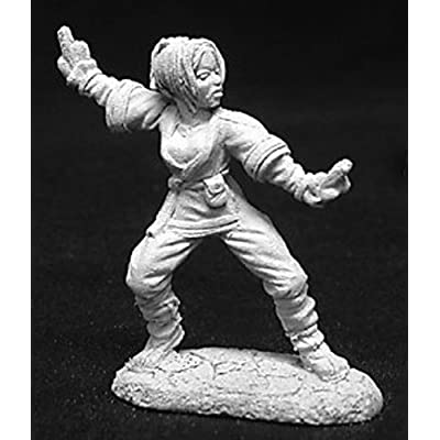 Yuri - Female Monk MINT/New: Toys & Games