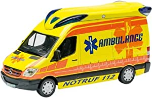 Schuco 452572700 Mercedes-Benz Sprinter II - Ambulancia miniatura (escala 1:87)