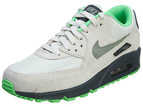 big sale f73dc ae513 Nike Men's Air Max 90 Essential Lght Bn/Jd Stn/Clssc Chrchl ...
