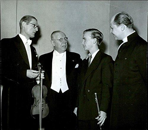(Vintage photo of Mateuspojkarnas 32 birthday party. Soloist B. Nilsson, conductor R. Alth233;n, Soloist B. Mellander and Theology. Dr. O. Herrlin. - 1 March 1947)