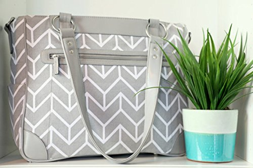 kailo-chic-laptop-camera-ipad-bag-gray-and-white-chevron