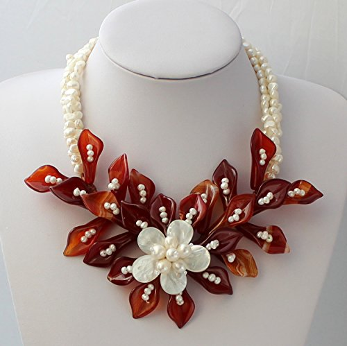 Hand-woven Natural Pearl Mop Shell Natural Agate Flower Necklace Wedding Bridal Jewelry Statement Chunky Necklace Christmas Gift ()
