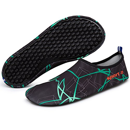 Oberm Damen Herren Wasser Schuhe schnell trocknend Barfuß Schuhe Aqua  Socken für Beach Swimming Pool Yoga d594a20c1e