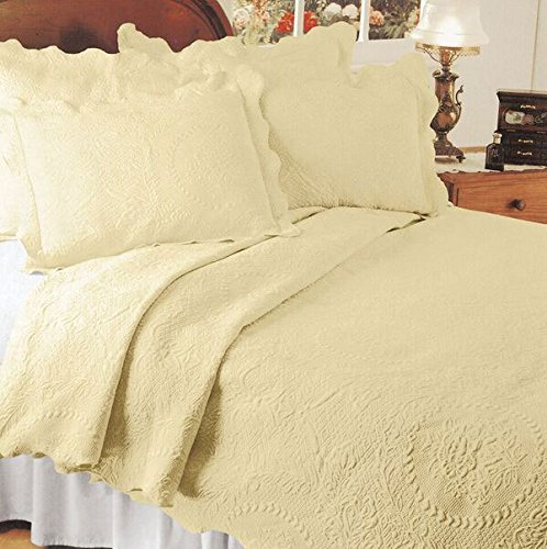 Europa Fine Linens English Rose Matelasse Bedding, Coverlet Twin Size 63-Inch by 88-Inch, Yellow