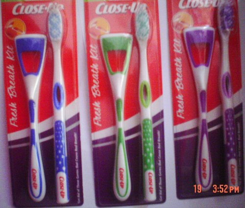 Close-Up Triple Action Cleaning Fresh Breath Kit, Assorted Colors (Soft Action Toothbrush Triple)