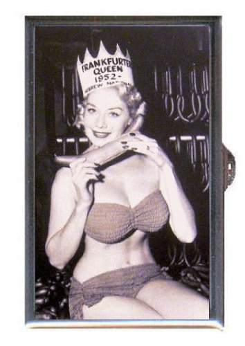 Hebrew National Frankfurter Queen 1952 Buxom Pin Up Guitar Pick Or Pill Box Usa Made