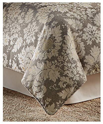 Croscill $470 Nerissa 4-Pc. Queen Comforter ()