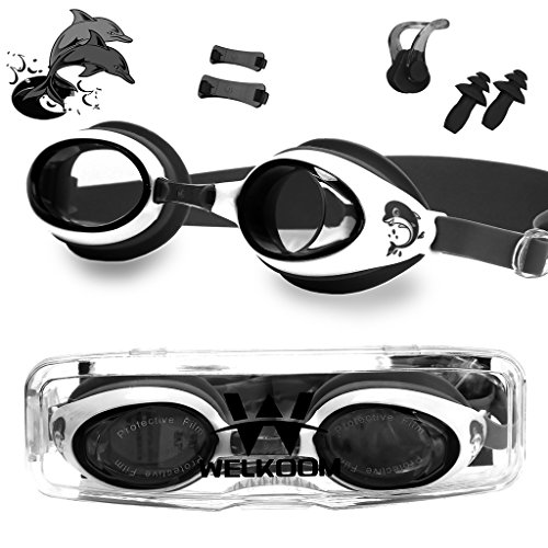 Dragon Squama Swim Goggles for Kids Anti-Fog PC Clear Lens with S,M,L Nose Bridge and Nose Clips,Earplugs - Swimming Pool Accessory for Girls,Boys,Children,Juniors and Teens from 3 to 12 Years ()