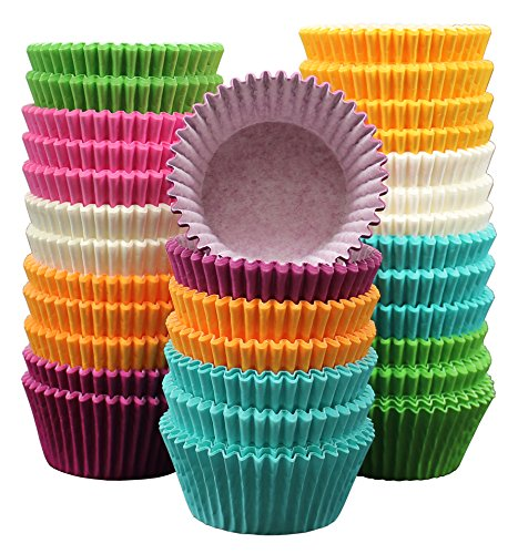 MontoPack 300-Pack Holiday Party Paper Baking Cups - No Smell, Safe Food Grade Inks and Paper Grease Proof Cupcake Liners Perfect Cups for Cake Balls, Muffins, Cupcakes and Candies -