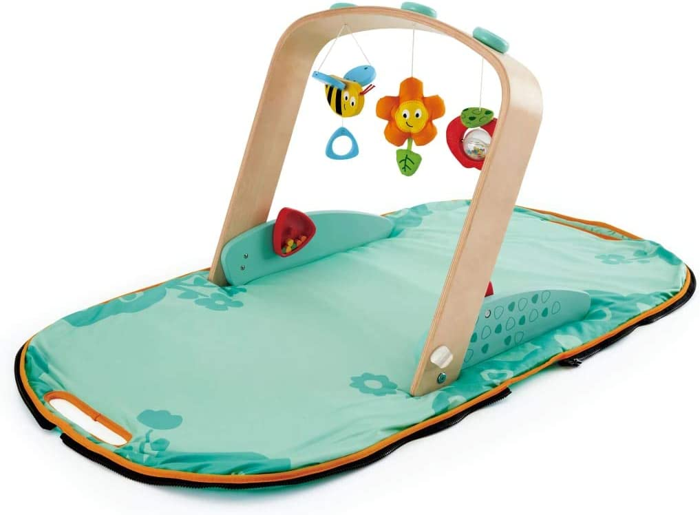 Hape E0045 Mobiles Baby Gym Transportabler Spielbogen mit Krabbeldecke