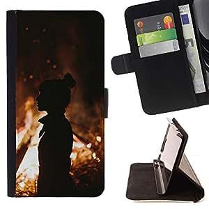 Momo Phone Case / Flip Funda de Cuero Case Cover - Fuego de la silueta anaranjada de verano Mediados de Eve - Apple Iphone 5C