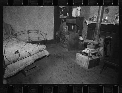 HistoricalFindings Photo: Interiors,rooms,beds,bedframes,stoves,fireplaces,nitrates,Carl Mydans,1935 (Carl Fireplace)