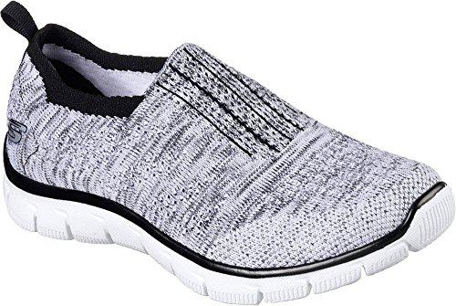 Skechers Imperio de las mujeres dentro de la mirada resbal�n en el zapato que camina negro