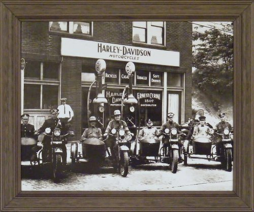 (Harley Davidson Cops 20x24 Black & White Old Time Photography Motorcycles Vintage Bikes Framed Art Print Wall Décor Picture)