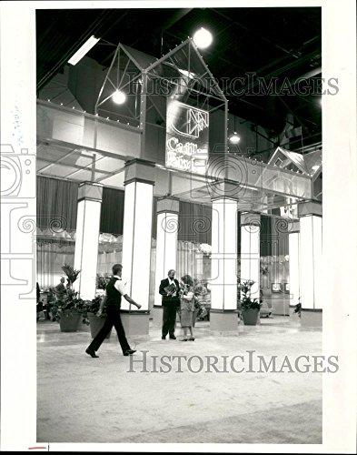 1986 Press Photo Cadillac Fairview Exhibit, Reproduction of Esplanade - Mall The Esplanade