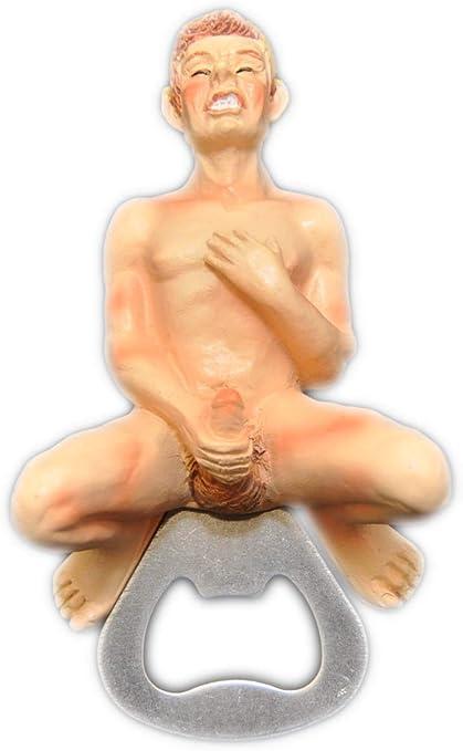 nackter mann mit einem durchschnittlichen penis